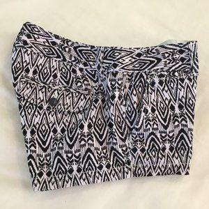 American Eagle Outfitters Low-Rise Shorts (NWOT)